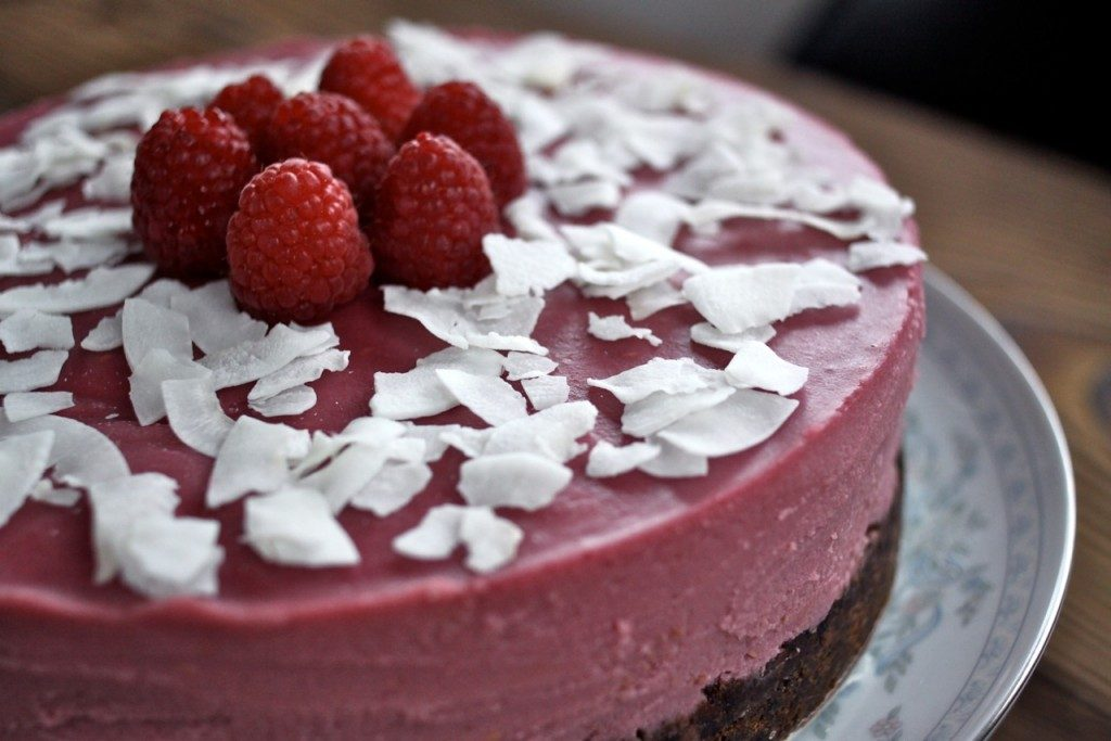 Coconut Raspberry Cheesecake (Paleo autoimmune protocol-friendly!) | The Paleo Mom