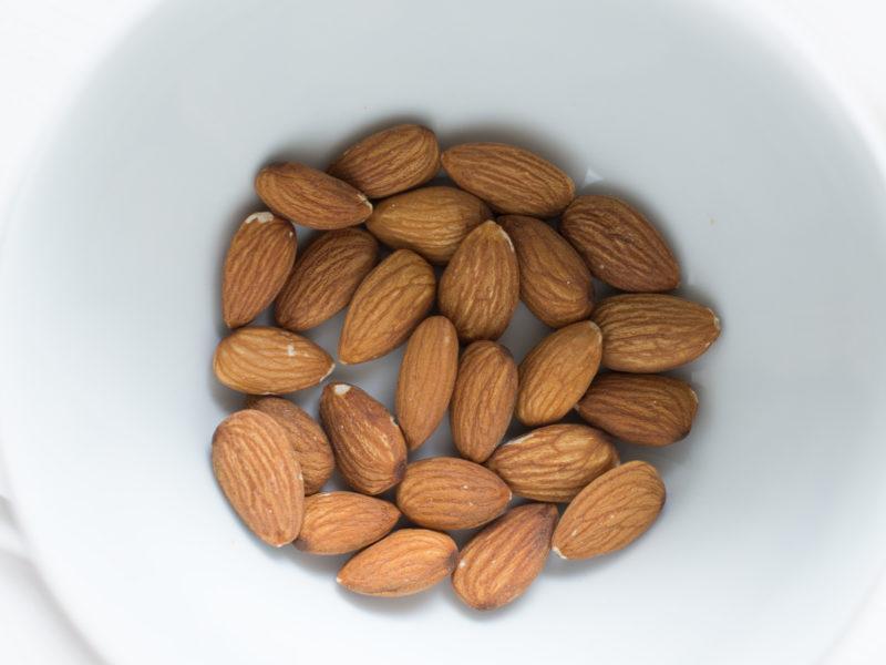 Vitamin B7 Almonds